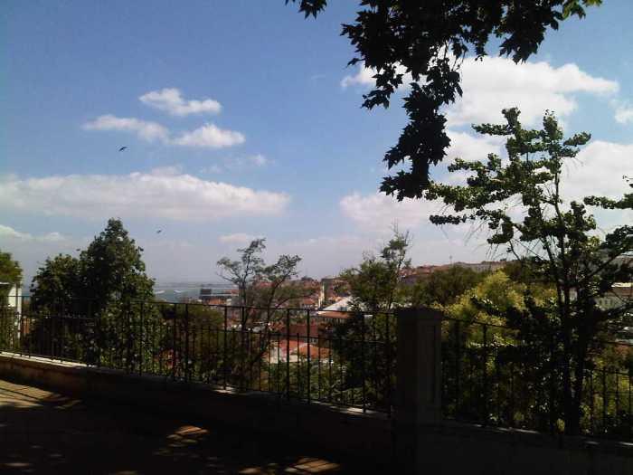 jardim-do-torel-com-vista-sobre-lisboa